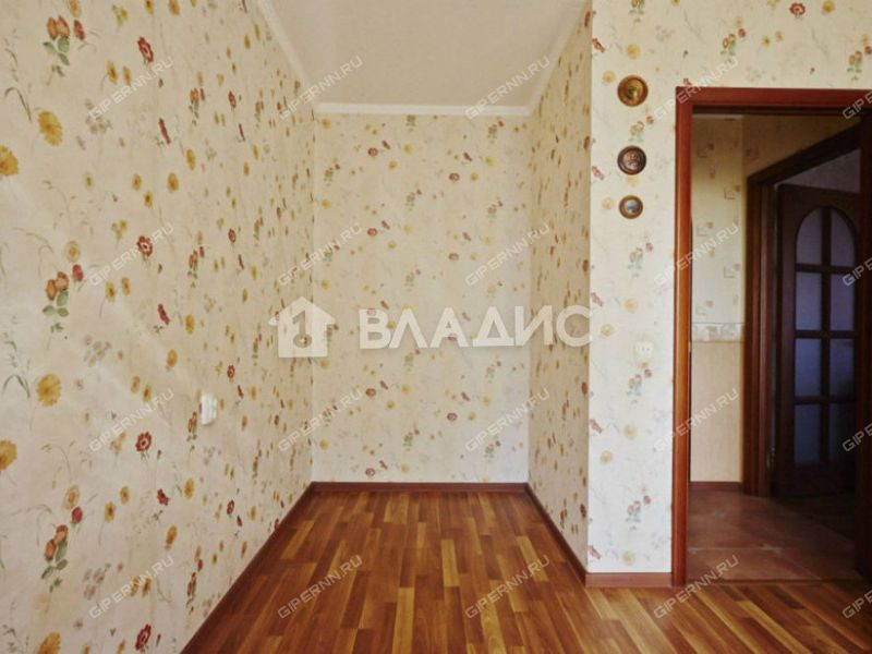 трёхкомнатная квартира на проспекте Молодёжный дом 35