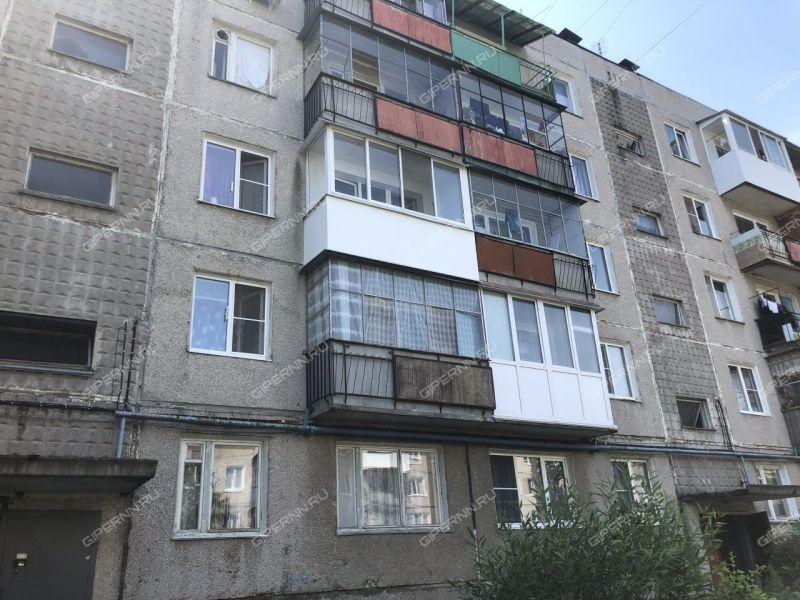 трёхкомнатная квартира на улице Угарова дом 22 рабочий посёлок Ильиногорск