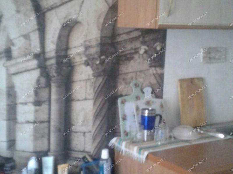 комната в доме 13а на улице Дружаева